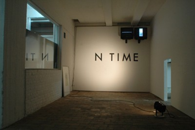 On Time / Overtijd / En Retard, 2005